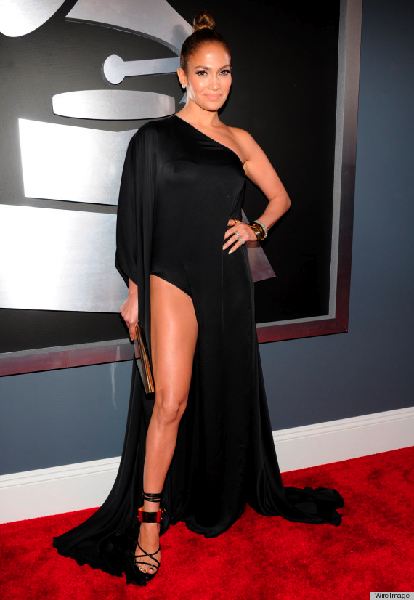 o-JENNIFER-LOPEZ-GRAMMYS-DRESS-2013-570