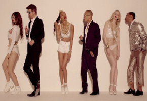 "Robin Thicke's ""Blurred Lines"" Has Ass And Titties All Over The Place (NSFW)"